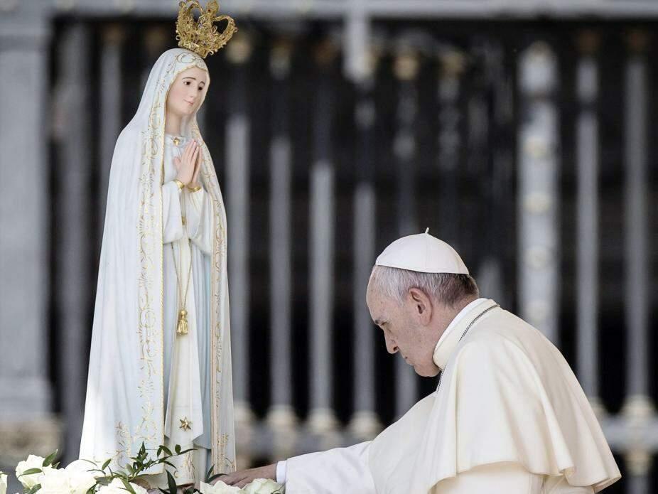 Papa e Nossa Senhora de Fátima